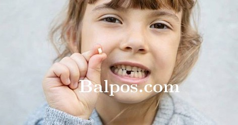 Cabut Gigi Susu Tanpa Bantuan Dokter